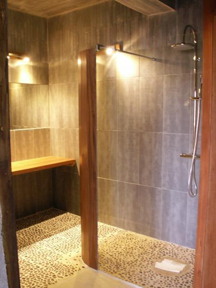 salle de bain orientale design la salle deau plage gte lou bentenac calme et authenticit - Salle De Bain Orientale Design